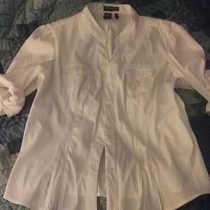 White blouse with 3/4 button up